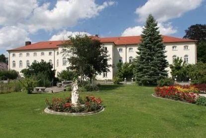 azurit pflegezentrum bad h henstadt in f rstenzell. Black Bedroom Furniture Sets. Home Design Ideas
